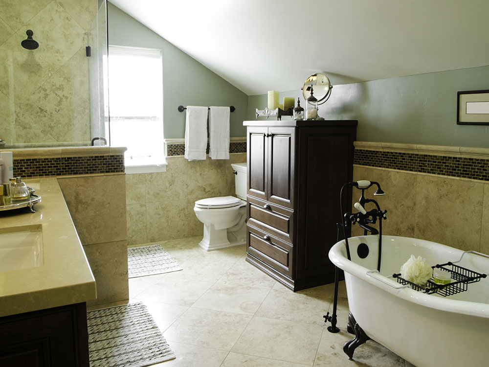 Bathroom renovations montreal renovco for Pictures of renovated small bathrooms